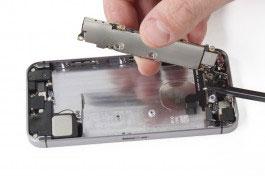 réparation carte mère iPhone SE
